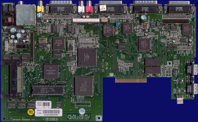 Commodore Amiga 600 - Rev 1 motherboard, front side